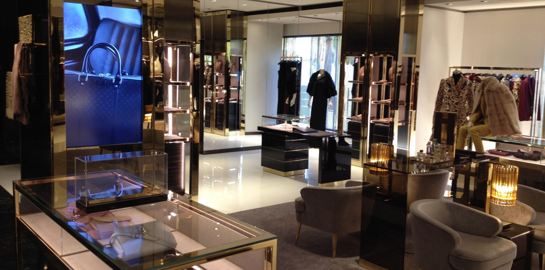472b4f662e6 ... Portfolio    Retail    Luxury    Gucci. Previous  Next