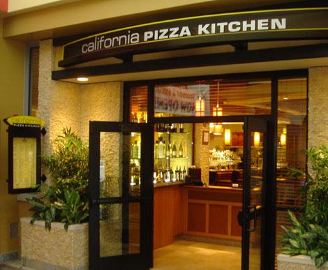 California Pizza Kitchen Riverside Plaza