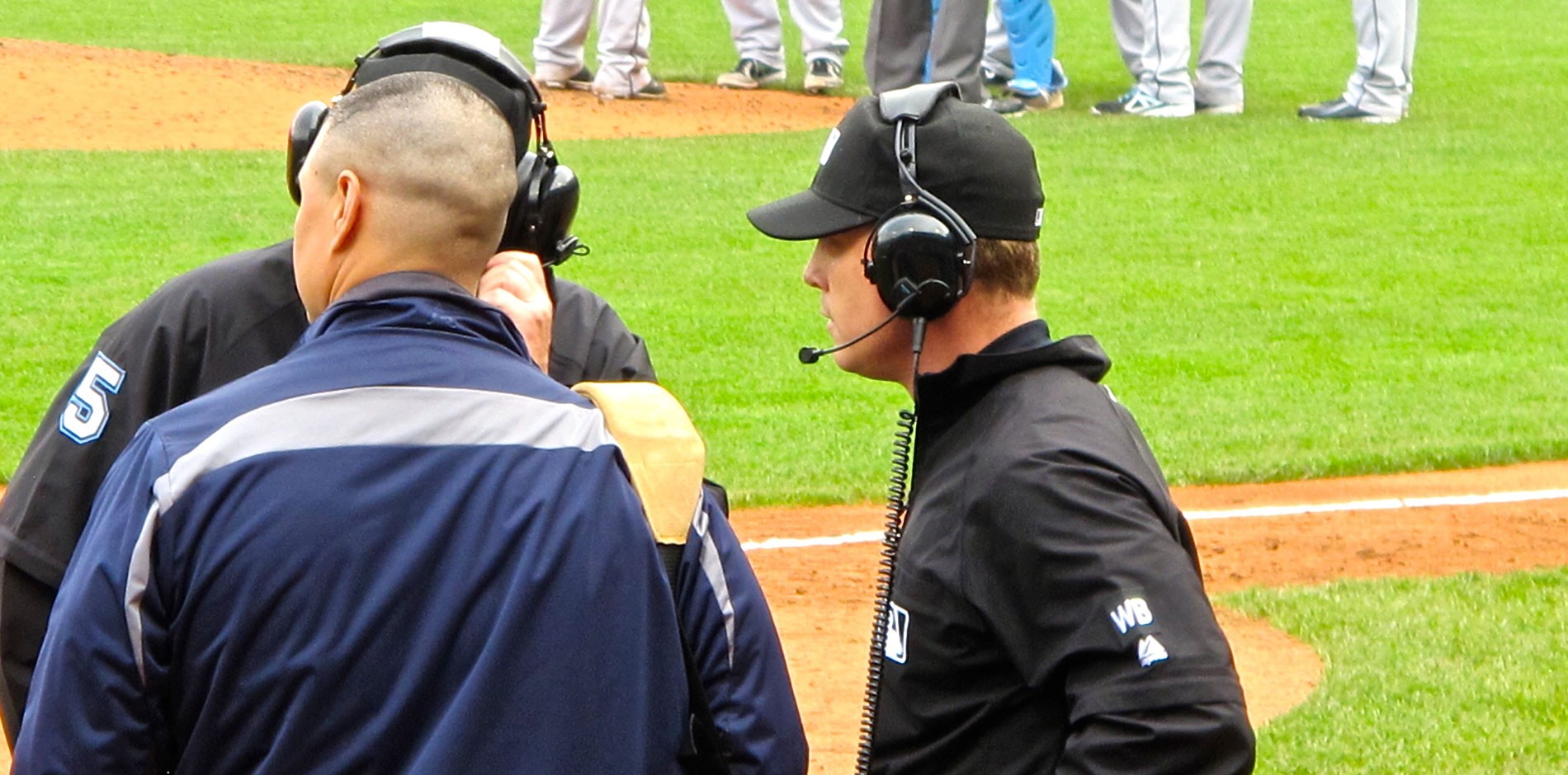 "instant replay in sports Major league baseball (mlb), often referred to as ""america's pastime,"" is unlike some other sports because it largely disallowing the use of instant replay to determine whether an umpire's call was correct unlike american football—which allows videos of any play to be reviewed and, potentially, for officials' calls to be."